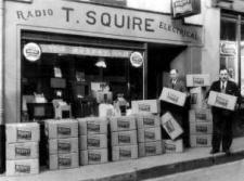 Old_Shop_Front_-_black_and_white_1268.jpg